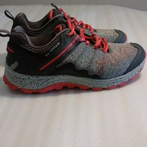 Fila sneakers size 8 ( fit like a 7 ) pink& grey
